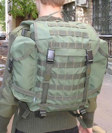 42e1462df23b УМТБС ранец патрульный оливковый, на фигуре.